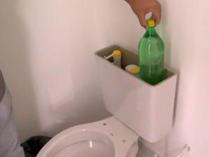 Garrafas PET nos vasos reduziu a quantidade de água uilizada (Foto: Reprodução/TV Gazeta)