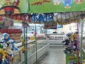 Ovos já estão disponíveis nos supermercados de Divinópolis (Foto: G1)