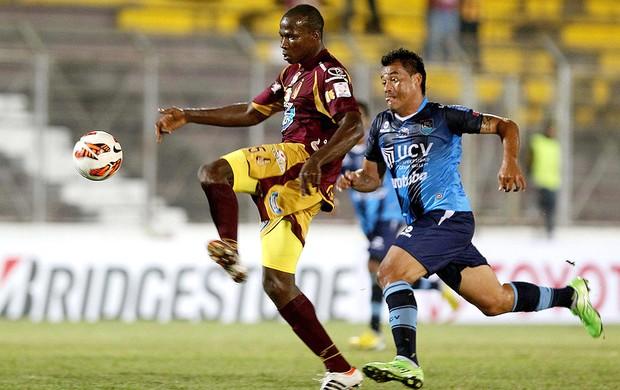 Breyner Bonilla na partida do Tolima contra o Vallejo (Foto: EFE)