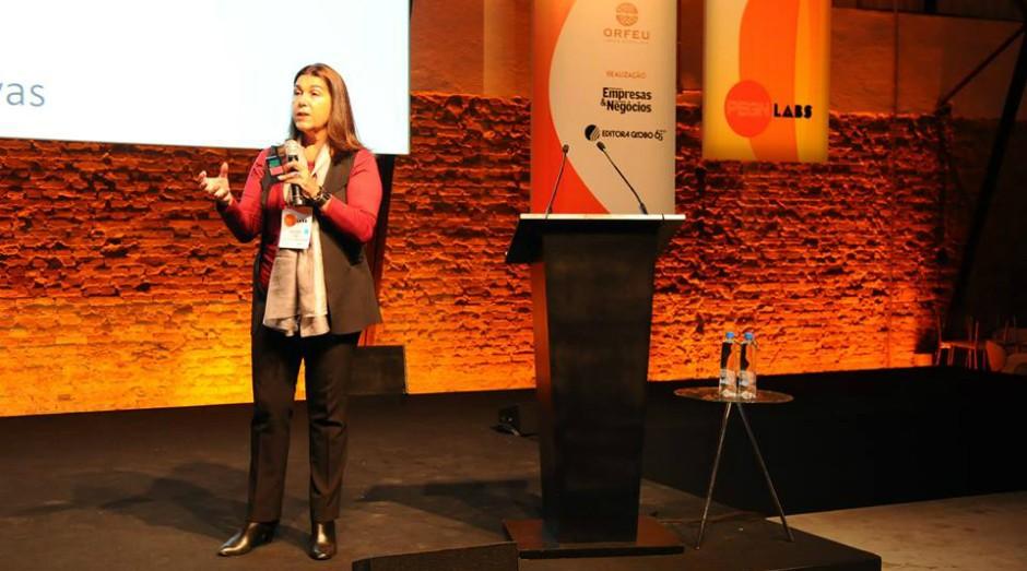 Ana Vecchi, sócia-diretora da consultoria Vecchi Ancona, durante palestra no PEGN Labs – Encontre sua Franquia (Foto: Rafael Jota)