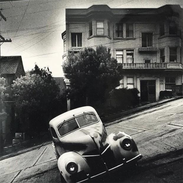 Karl's choice at Paris Photo. Parking in San Francisco! (Foto: @suzymenkesvogue)