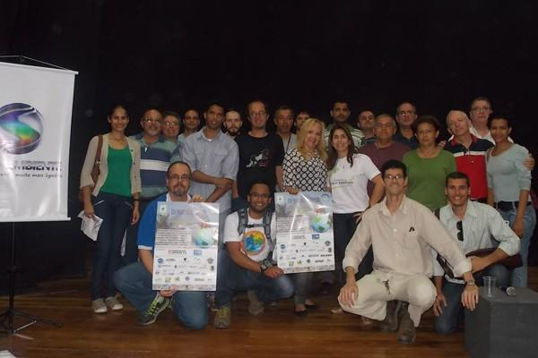 Reunião de capacitação para o Dia Mundial de Limpeza reuni representantes de várias cidades do Sul do RJ (Foto: Divulgação TV Rio Sul)