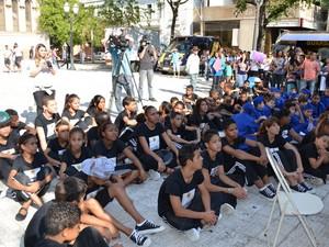 Marcha contra pedofilia reuniu crianças em Piracicaba (Foto: Thomaz Fernandes/G1)