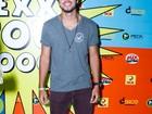 Rodrigo Simas e outros famosos vão ao show de Naldo em festa