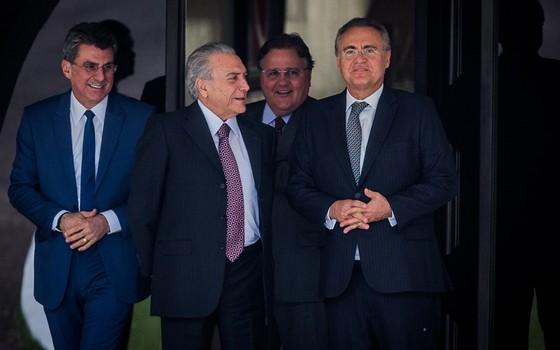 Michel Temer, Geddel Vieira Lima, Romero Juca e Renan Calheiros (Foto: Eduardo Anizelli/Folhapress)