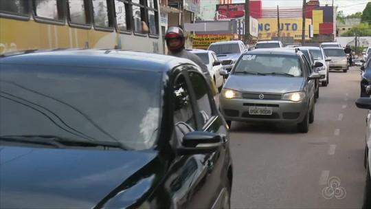 Motoristas reclamam de buracos nas ruas de Rio Branco e alegam prejuízos