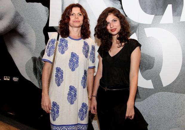 Débora Bloch e filha (Foto: Henrique Oliveira / FotoRioNews)