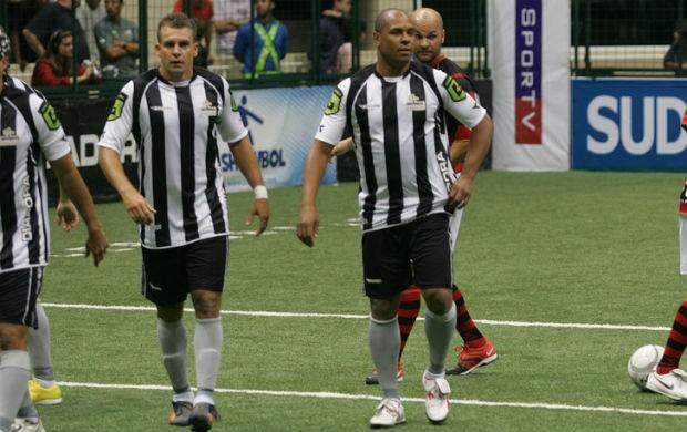 Donizete no showbol do Botafogo (Foto: Ricardo Cassiano/Divulgação)