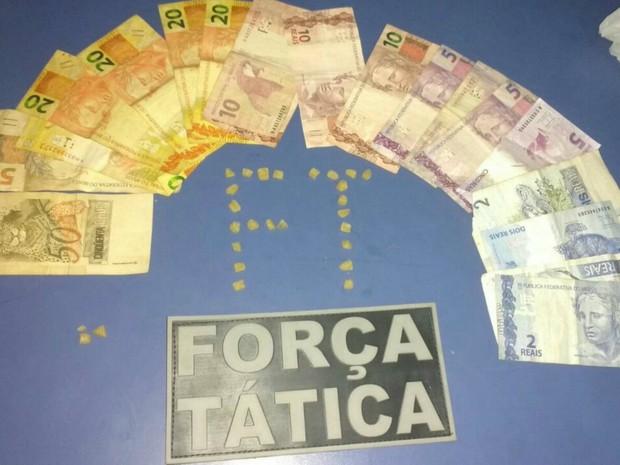 No estabelecimento, foi localizado R$ 268 (Foto: Polícia Militar/ Divulgação)