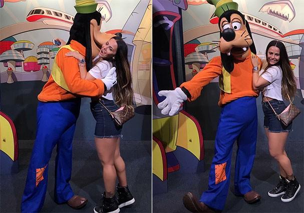 Viviane Araújo ganha chamego de Pateta na Disney (Foto: Reprodução/Instagram)