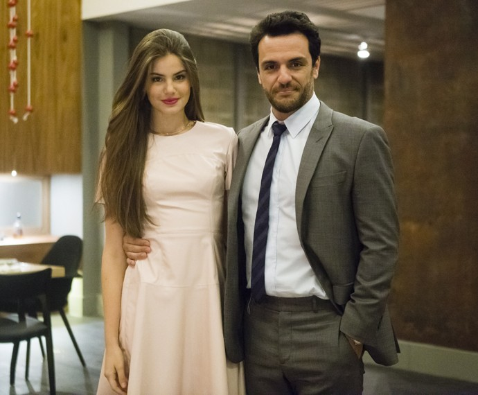 Camila defende que Angel foi posta contra a parede (Foto: Globo/Tata Barreto)