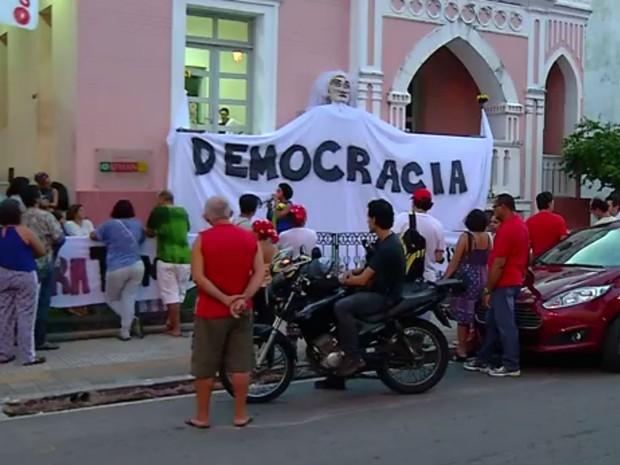 Grupo ocupou sede do Iphan em Natal contra fim do Ministério da Cultura (Foto: Reprodução/Inter TV Cabugi)