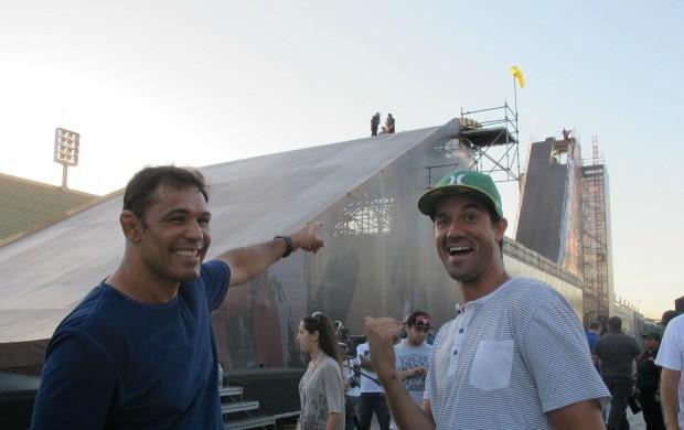 Minotauro e Bob Burnquist na MegaRampa  (Foto: Ana Carolina Fontes)