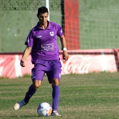 Emilio Zeballos. lateral do Defensor  (Foto: Defensor / DVG)