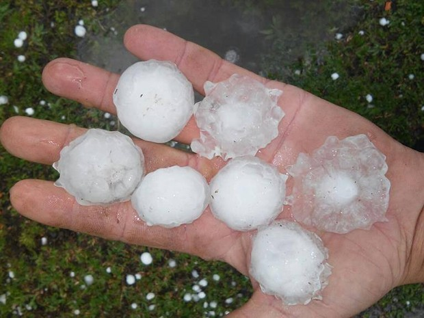 Bom Retiro, na Serra catarinense, foi uma das cidades atingidas por chuva de granizo nesta quarta 916) (Foto: Hiago Simiano)