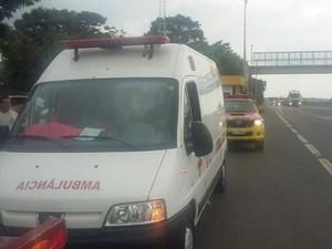 Ambulância que foi sequestrada na rodovia (Foto: Guarda Municipal de Tabatinga)