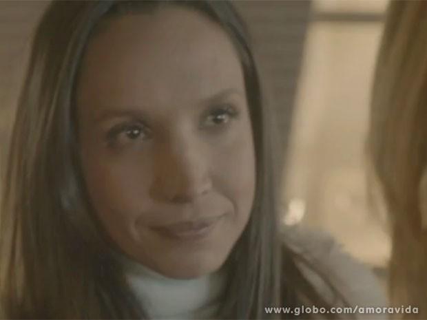 Alejandra dá de cara com Paloma no Peru (Foto: Amor à Vida/TV Globo)