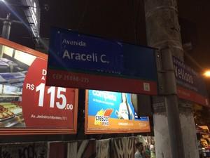O nome de Dante Michelini, pai de um dos acusados de assassinar Aracelli, é substituido pelo nome da menina, que foi brutalmente assassinada em Vitória (Foto: Naiara Arpini/ G1)