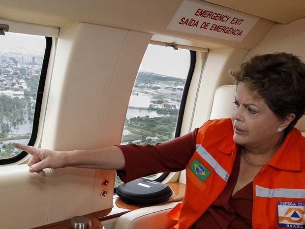 Presidente Dilma sobrevoa áreas atingidas por enchentes no Espírito Santo. (Foto: Roberto Stuckert Filho/PR)
