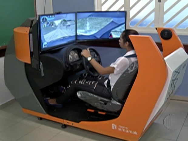 Uso de simuladores nas autoescolas será opcional (Foto: Reprodução/TV Diário)