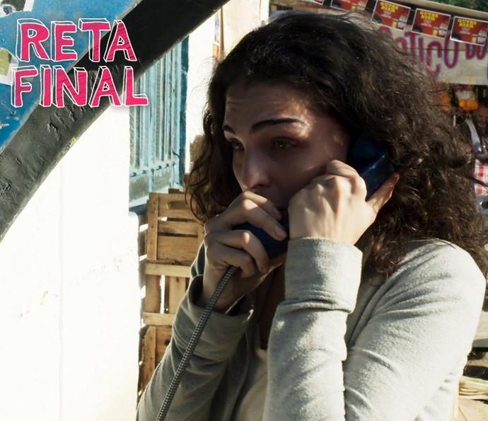 Ciça consegue ligar para Rodrigo (Foto: TV Globo)