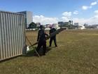 Muro é retirado da Esplanada um dia após votação do impeachment