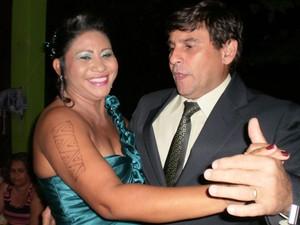Wilses Tapajós e o marido, Severino Jacomo, no baile de formatura (Foto: Wilses Tapajos/Arquivo Pessoal)