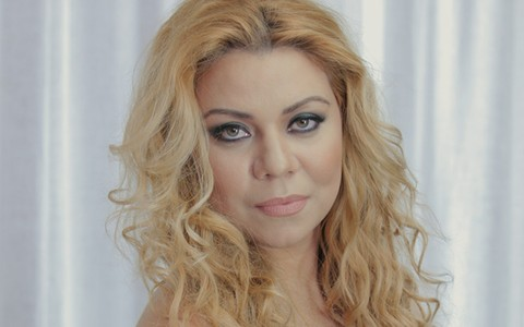 Maquiagem para a noite: Torquatto se inspira na cantora Shakira em tutorial com glamour