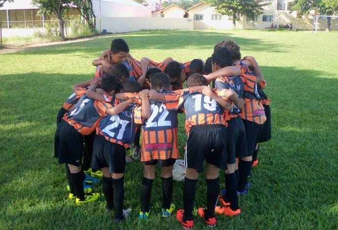 Equipe de futsal do projeto Bons Bola em Bom Despacho (Foto: Geraldo Magela/ Arquivo Pessoal)