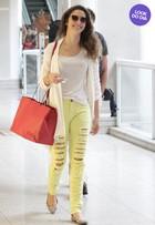 Look do dia: Amanda Richter aposta em modelito confortável para viajar