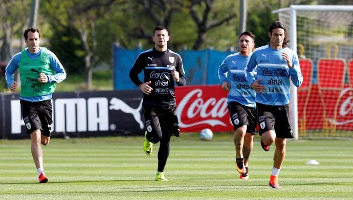 Treino do Uruguai Godín Cavani (Foto: Andres Stapff/Reuters)