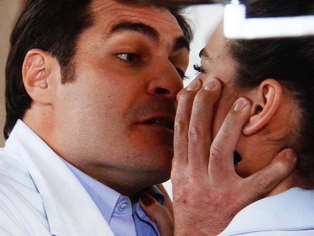 Marcos fala poucas e boas para Sueli (Foto: TV Globo)