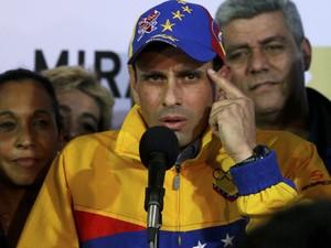 Capriles fala após ser reeleito em Miranda (Foto: AP Photo/Fernando Llano)