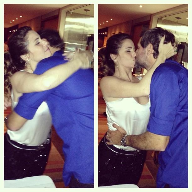 Giovanna Antonelli ganha beijo do marido, Leonardo Nogueira (Foto: Instagram/ Reprodução)