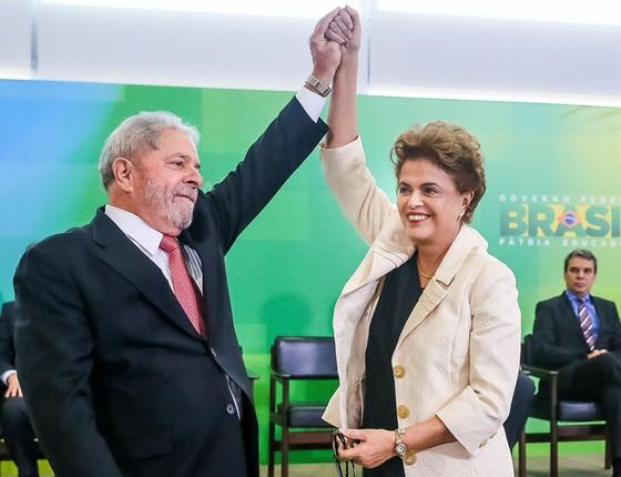 Lula e Dilma. Posse de ex-presidente como ministro-chefe da Casa Civil foi suspensa pela Justiça (Foto: Roberto Stuckert Filho / PR)