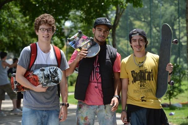 Vinny (Maurício Destry), Jonas (Sérgio Malheiros) e Douglas (Pedro Inoue) em Sangue Bom (Foto: João Paulo Cardeal/Globo)