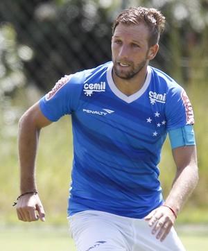 Felipe Seymour, meio-campo do Cruzeiro (Foto: Washington Alves / Light Press)