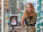 Angélica grava com robô e Rodrigo Lombardi em shopping no Rio