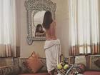 Sabrina Sato aparece fazendo topless em foto postada por stylist