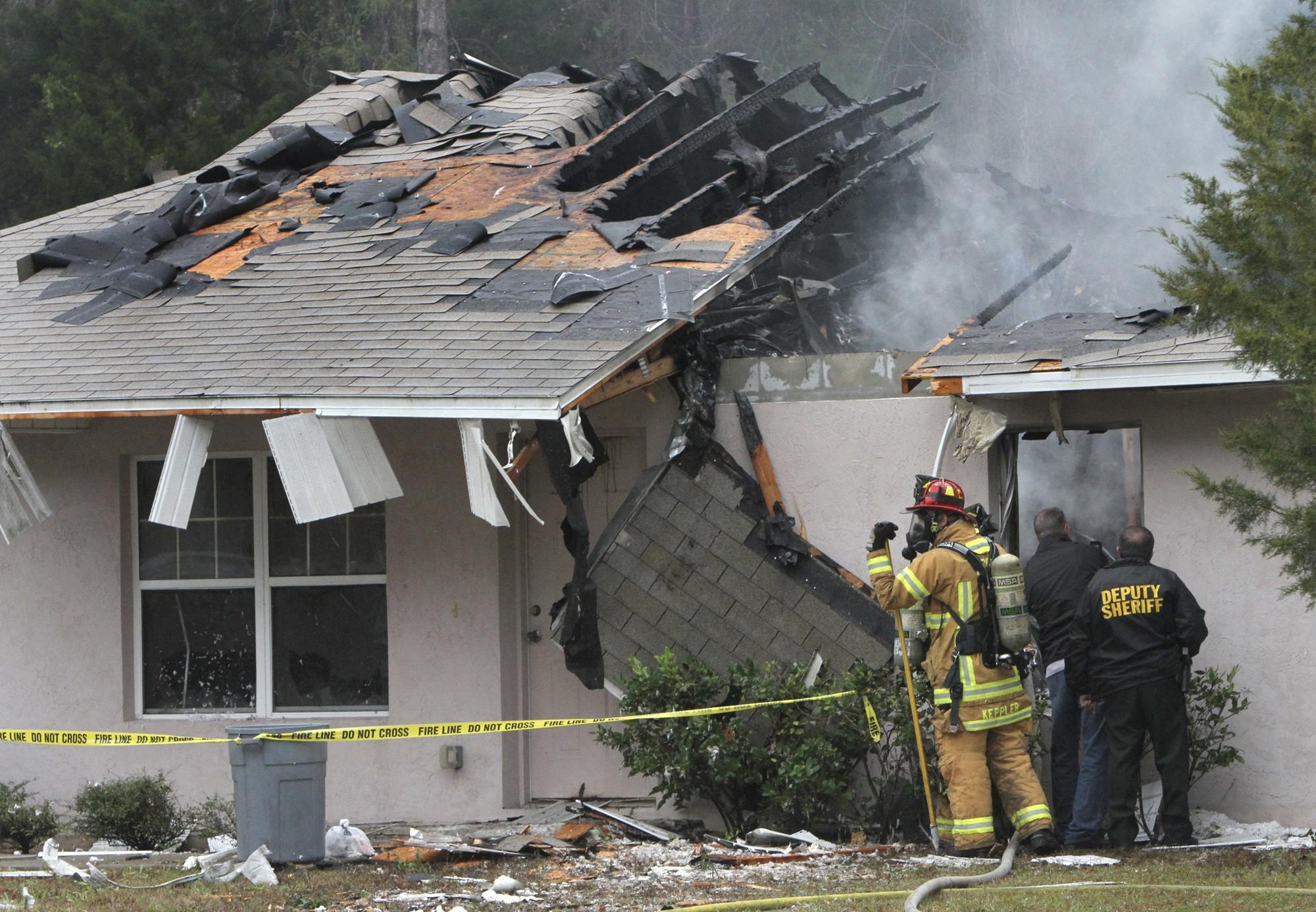 Avião cai na Flórida e mata três pessoas (Foto: REUTERS)