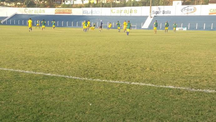 Recreativo movimentou jogadores do CSA nesta quinta-feira (Foto: Augusto Oliveira / GloboEsporte.com)