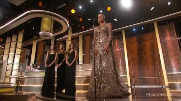 Sofia Vergara e as três filhas de Sylvester Stallone (Foto: Twitter)