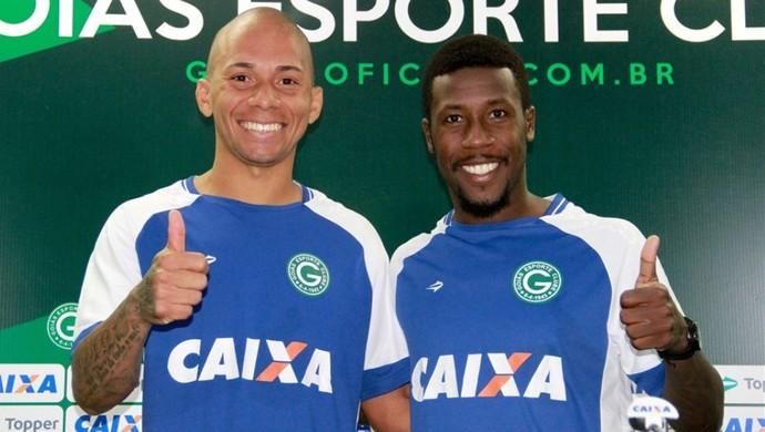 Paulinho e Toró são apresentados no Goiás (Foto  Rosiron Rodrigues   Goiás  E.C.) a86525cb0ab73