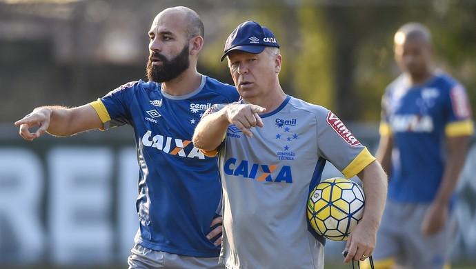 Bruno Rodrigo e Mano Menezes, Cruzeiro (Foto: Washington Alves/Light Press)