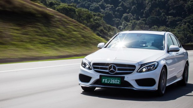 FOTOS: 'entre' no novo Mercedes Classe C