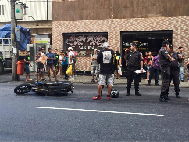 Suspeito de assalto na Tijuca estaria em uma moto (Foto: Marco Aurélio Lisan / Arquivo Pessoal)