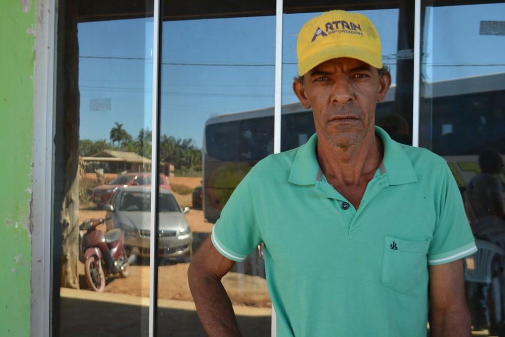 Morador conta como vive na região (Foto: Mary Porfiro/G1)