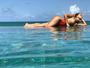 Sabrina Sato capricha na pose em foto de maiô: 'Paraíso'