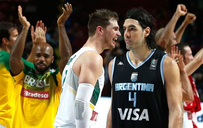 Tiago Splitter e Luis Scola Brasil X Argentina mundial de basquete (Foto: Ag�ncia AP)