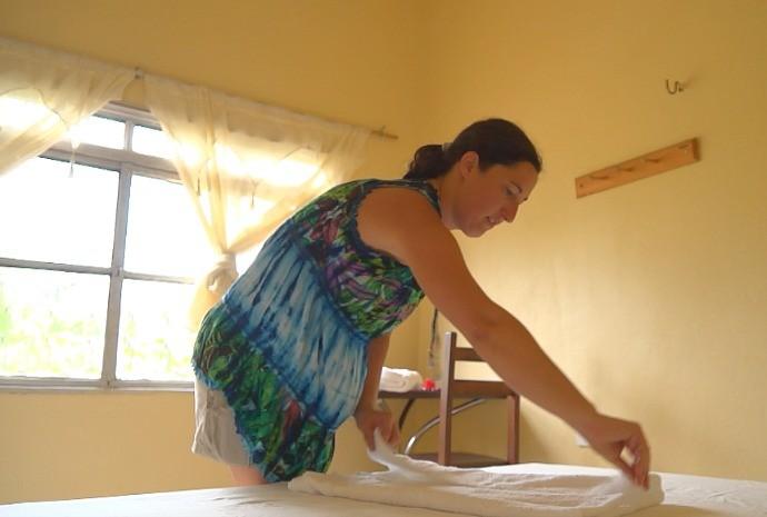 Estrangeiros oferecem habilidades em troca de intercâmbio em Manaus (Foto: Zappeando)